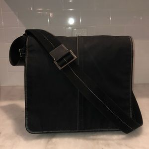 Coach Black Leatherware Unisex Messenger Bag